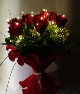 Ramo 12 rosas rojas con luz