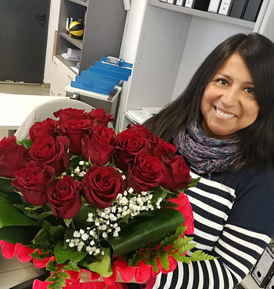 Entrega de rosas en oficinas