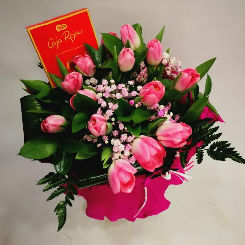 ramo 15 tulipanes rosas con bombones