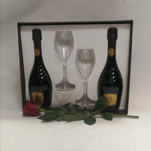 love pack 60 caja codorniu con una rosa roja natural
